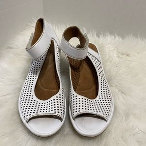 Clarks Artisan White Leather Wedge Sandals Ankle